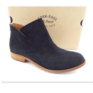 NIB KORK EASE Black Suede Ankle Boots Booties 9